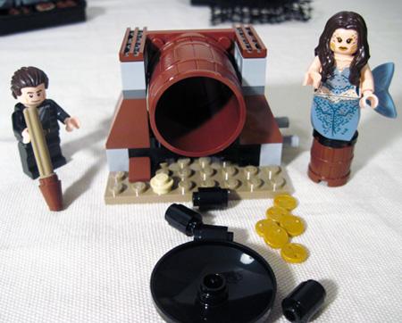 Lego Whitecap Bay Barrel Spill 2